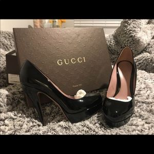 Vernice crystal nero Gucci Stilettos